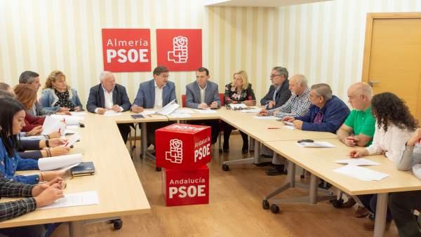 El PSOE se reúne con la Mesa en Defensa del Ferrocarril