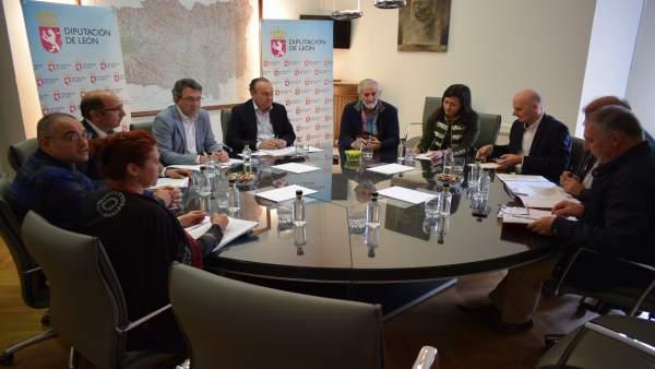 Reunión de Majo con las juntas vecinales de León 19-4-2018