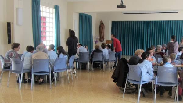 Encuentro Entre Escolares Y Personas Con Alzheimer