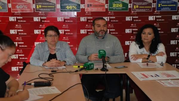 Los sindicalistas de UGT en la rueda de prensa