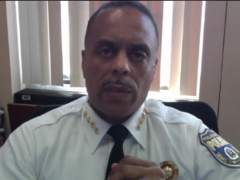 La Policía de Filadelfia pide disculpas por las detenciones en un Starbucks
