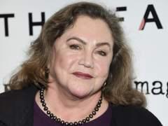 """Kathleen Turner: """"Douglas y Nicholson apostaron para tener sexo conmigo"""""""