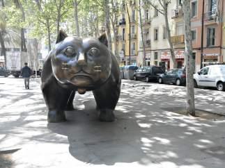 El Gato de Botero ubicado en la Rambla del Raval de Barcelona.