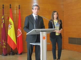 Jesús Pacheco y Rebeca Pérez en la rueda