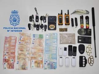 Doce detenidos por tráfico de drogas y blanqueo en Narón