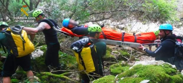 Rescate de un hombre lesionado en el Torrent de Coanegra