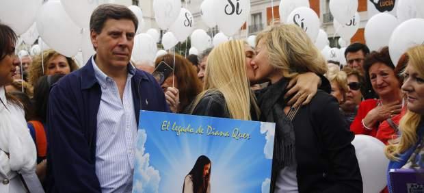 La familia de Diana Quer encabeza una concentración por la prisión permanente revisable en Sol
