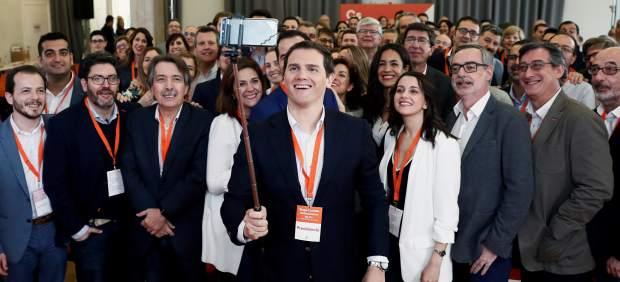 Rivera anuncia más fichajes como Manuel Valls: