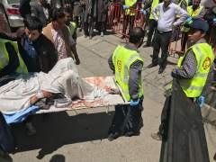 Estado Islámico mata a 52 personas en un centro electoral de Afganistán