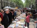 Sant Jordi en la Rambla de Barcelona .
