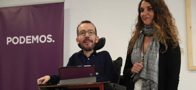 Los portavoces de la dirección de Podemos, Pablo Echenique y Noelia Vera, este lunes.