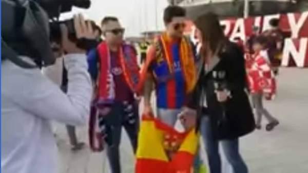 Entrevista de Barça TV a un aficionado