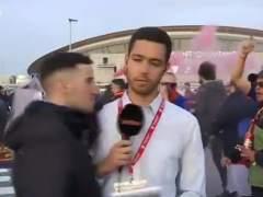 Aficionados del Barça insultan y agreden a un periodista antes de la final de Copa