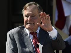 Hospitalizado al expresidente Bush días después de la muerte de su esposa