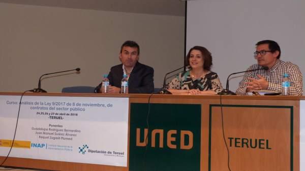 Inauguración en Teruel de un curso sobre la nueva ley de contratos