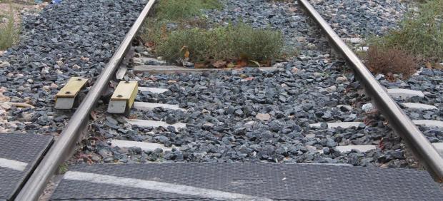 Tren, paso a nivel