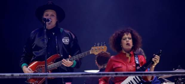 Crónica: Arcade Fire prende fuego a la noche de Madrid con un concierto inolvidable