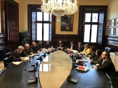 Una reunión anterior de la Mesa del Parlament