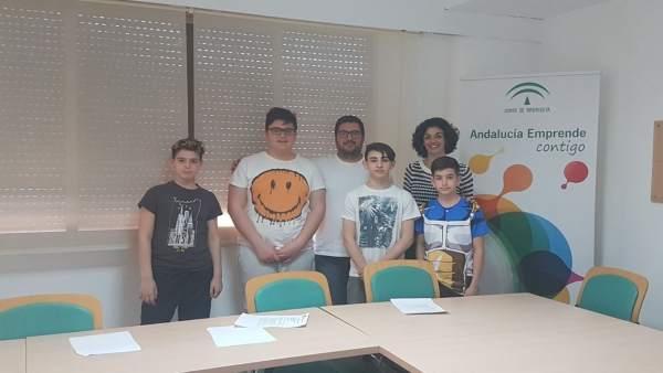 Andalucia Emprende Y Guadalinfo De Pechina Apoyan A Un Grupo De