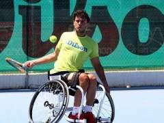 Un tenista denuncia que le han impedido coger un avión por ir en silla de ruedas