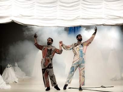 Un momento de 'Grand Applause', la pieza ideada por Jorge Dutor y Guillem Mont de Palol