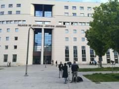 Exteriores de la Audiencia de Pamplona