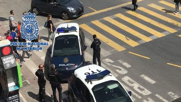 Policía nacional coche ladrón patrulla agentes recursos málaga