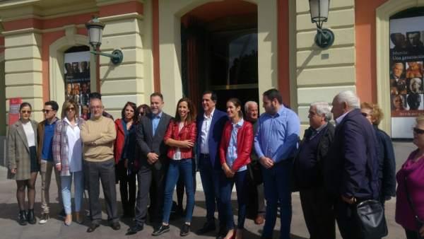 José Antonio Serrano y su equipo