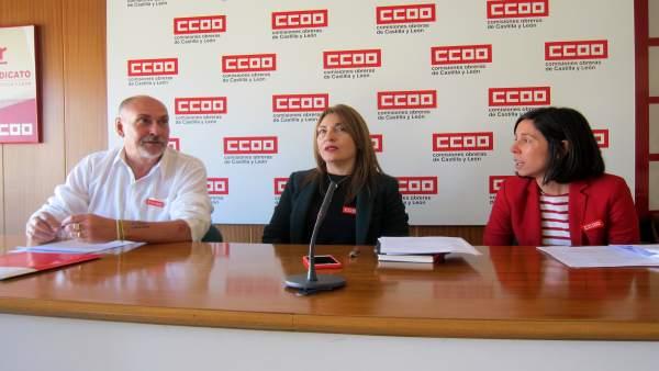 Representantes de CCOO en rueda de prensa.