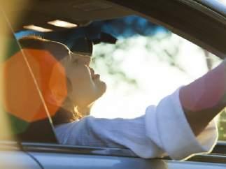 5 formas de conectar tu móvil al coche para escuchar música