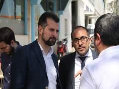 Luis Tudanca (I) junto a Luis Rey (D) 26-4-2018