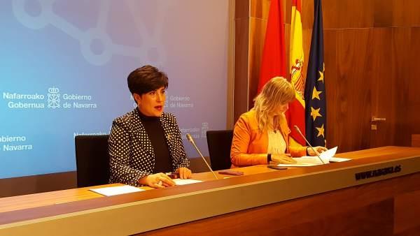 La portavoz del Gobierno de Navarra, María Solana, y Ana Ollo