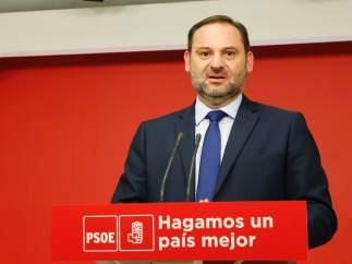 """El PSOE pide a Rivera que permita gobernar a Gabilondo y no apoye a un PP """"podrido"""" en Madrid"""