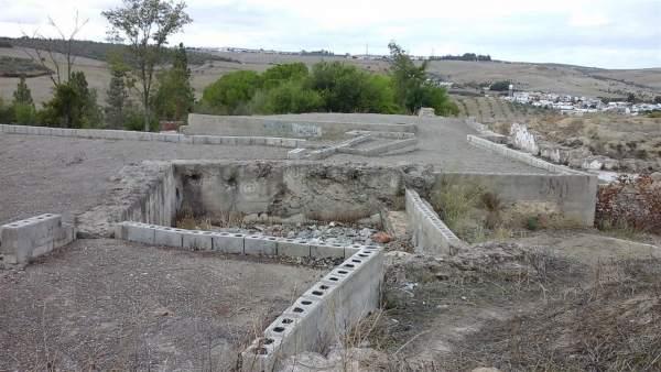 El sellado de hormigón que protege el yacimiento del Carambolo