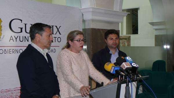 La alcaldesa de Guadix, Inmaculada Olea, en rueda de prensa
