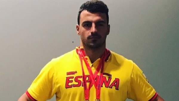 Edu Blasco, campeón de España de Salvamento y Socorrismo y de natación con aletas.