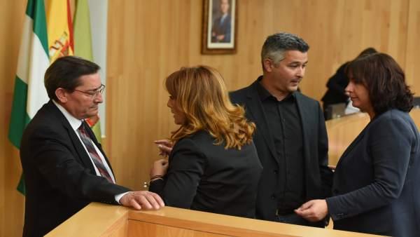 José Entrena y tres diputados, antes de un pleno