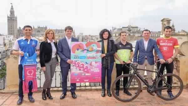 Presentación del XXII Sanitas Triatlón de Sevilla