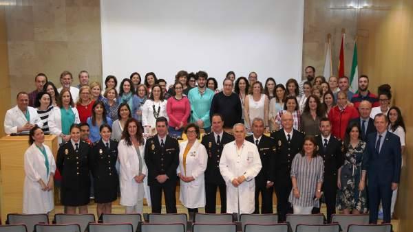 Autoridades y sanitarios, durante las jornadas