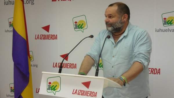 El coordinador provincial de IULV-CA en Huelva, Rafael Sánchez Rufo.