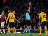 Roja a Vrsaljko en el Arsenal - Atlético