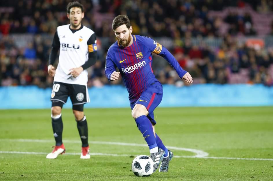 MESSI (126 MILLONES DE EUROS). La estrella del Barcelona, que renovó con el club catalán en noviembre de 2017 y desde entonces se embolsa un sueldo de 50 millones de euros anuales, es el mejor pagado del mundo y supera a Cristiano Ronaldo. El argentino está realizando una gran temporada.