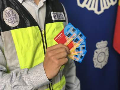 Imagen de las tarjetas falsificads.