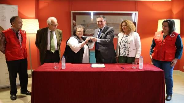 Ayuntamiento de Sevilla acuerda una cesión de inmuebles para Cruz Roja