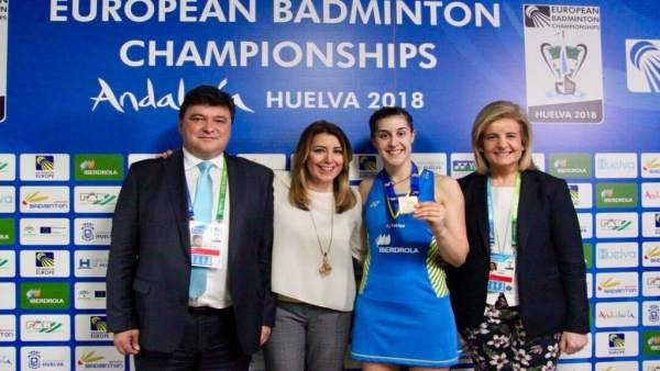 Susana Díaz felicita a Carolina Marín por su victoria