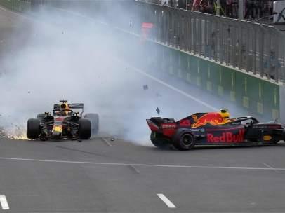 Accidente de Verstappen y Ricciardo en Azerbaiyán.