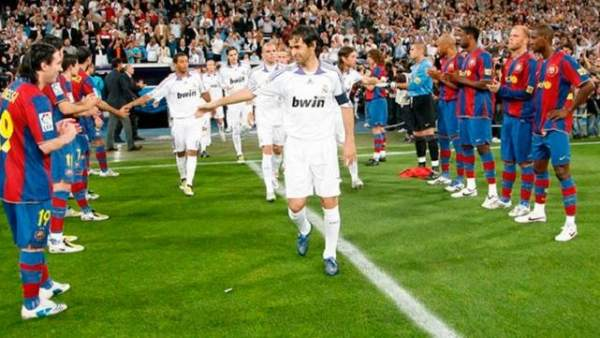 Pasillo del Barça al Real Madrid en 2008