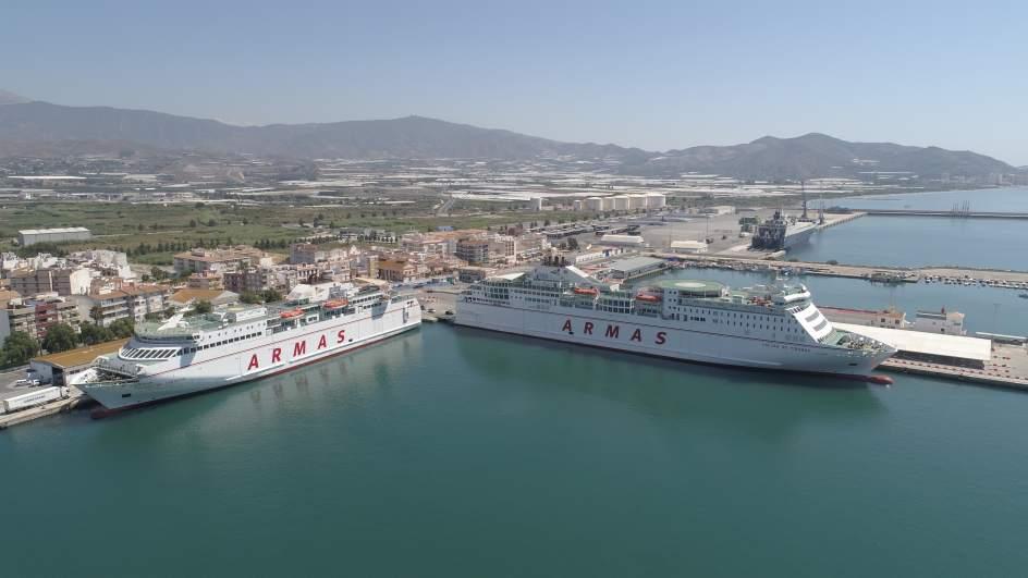 Puertos la naviera armas modifica el horario de vuelta for Horario de oficina naviera armas
