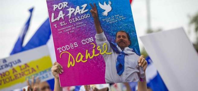 Marcha en favor de Daniel Ortega en Nicaragua