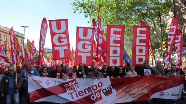 Manifestación del 1 de mayo convocada por CCOO y UGT en Zaragoza